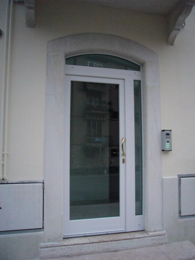 Serramenti tapparelle porte blindate e interne zanzariere verona lago garda rossi - Porte e finestre vicenza ...
